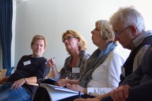 Foto von vier Teilnehmerinnen und Teilnehmern des Workshop zur Öffnung von Kulturinstitutionen.