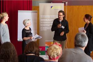 Das Bild zeigt die drei Moderatoren der Workshops und Prof. Dr. Susanne Keuchel.